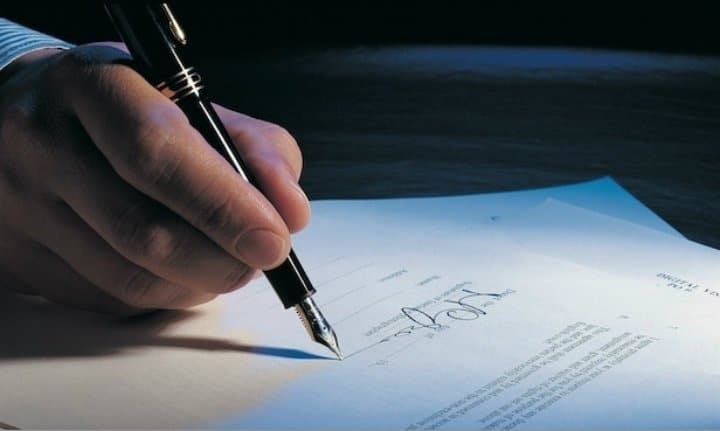 Perjudica un documento falso